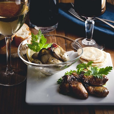 「わたやの室」ギフトセット 株式会社A&C 広島県 初体験のぷりぷり食感。ワインによく合う広島牡蠣オイル漬け2種セット