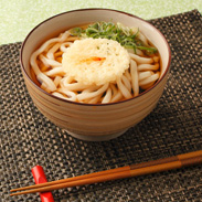 家族みんなで楽しめる本格味をご自宅で〈 天ぷらうどん 〉 | 株式会社丸光製麺・岩手県