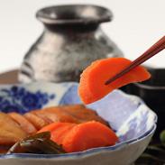 一口食べれば味噌の芳醇な味わいと爽やかな芳香が広がる マルカ 味噌屋さんの手作りみそがっこ | 有限会社三協商事・秋田県