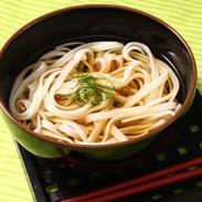 たんたん米の香り立つ コシが美味しい〈 雫石まいこ麺 〉精米・平麺 | 有限会社ファーム菅久・岩手県