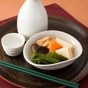 ヘルシーでマルチな食卓の万能選手〈 湯通し くきわかめ 〉 | ヤマセ��橋水産・宮城県