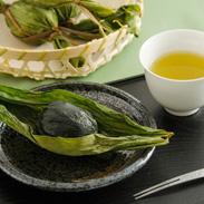 農家のこだわり 懐かしいふるさとの味〈 越後名物 笹だんご 〉10個入 | 田舎そだち・新潟県