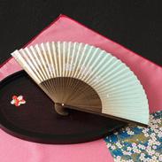 300年の伝統を受け継いだ近江扇子 桜(青・肌)6.5寸