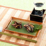 熟練の職人が新鮮な川魚を甘辛く炊いた 「もろこ・新ハエ2品セット」