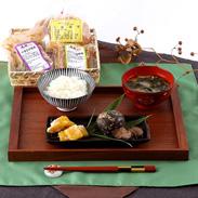 天然醸造、1年間熟成の味 川谷みそと季節の漬けものセット 川谷みそ・新潟県