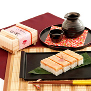 青森県産りんご酢と独自のタレで味付け さかさ寿し 桜鱒 (有)三咲羽や・青森県