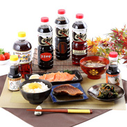 香りの逸品、伝統の味 いろいろ使えてうまいっ酢、 当店自慢のお醤油詰合せ
