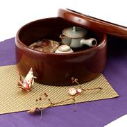 伝統の小田原漆器  1尺1寸茶びつ|大川木工所・神奈川県