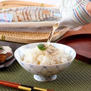 滋賀県の伝統的な味 天然ニゴロ鮒寿司スライス2匹箱入