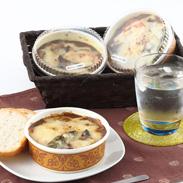 絶品カレーにチーズと野菜を添えた贅沢なカレー 焼きチーズカレー3種セット