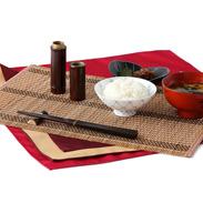 素朴な木の温かさを感じる 京都美山で作られた つなぎ箸セット
