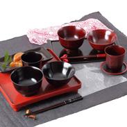 伝統の技術を惜しげもなく込めた逸品 「伝」山中塗 汁椀・飯椀・カップセット