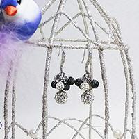 エリズ・オリジナルデザイン 房状クリスタルボール(クリア[大粒]) ピアス(フックタイプ)