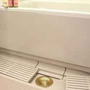 浴室の排水口掃除が簡単に! ヌメリ&臭いを抑えてお掃除簡単 真鍮製まとまるヘアキャッチャー
