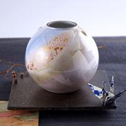 加賀百万石の伝統文化 九谷焼 銀彩 6号 耳付花瓶
