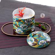 九谷焼を代表する人気の絵柄 吉田屋風葉紋花鳥 三段重