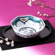 繊細さと力強さを兼ね備えた伝統の絵柄 染付宝紋花鳥 7号鉢