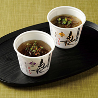 もずくスープ〔醤油もずくスープ(もずく40g、スープ15g、七味唐辛子、乾燥ネギ)・味噌もずくスープ(もずく40g、スープ15g、七味唐辛子、乾燥ネギ)×各5〕