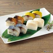 鯖寿司・ほたて寿司セット 5種 〔鯖棒寿司・鯖浜焼棒寿司・鯖昆布巻寿司・鯖寿司はちのへ巻・ほたての押し寿司各300g〕
