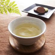 毎年の収穫を一番茶のみとした、こだわりの茶葉を使った 新福茶桐箱詰・宮ザキ園・愛知県