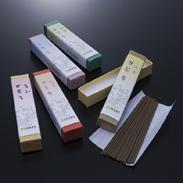 仏様のご馳走 甘茶香(壱) 淡路梅薫堂株式会社 兵庫県 仏様の好物、甘茶の香りのお線香5種類を詰め合せました。