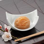 紀州五十五万石 河本食品株式会社 和歌山県 道場六三郎氏監修。塩分は控えめ、こんぶだしがきいた「匠の味」の梅干し