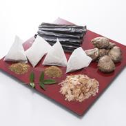 おだしセット 合資会社鵜飼商店 愛知県 だしソムリエ協会推奨。手作り料理に欠かせないだしの詰め合わせ。