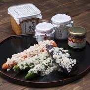 老舗糀屋の生糀セット 贅沢コース やまさ味噌こうじ店 福島県 厳選した米を原料とした米糀を贅沢に配合した味噌・糀商品の詰め合わせ