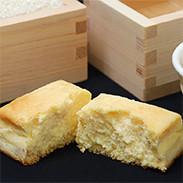 日本酒とお米のチーズケーキ 有限会社ダンテプロゲット 埼玉県 こだわりの古酒、米粉、チーズを升に入れて焼き上げました
