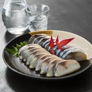 しめさば蒲鉾(10枚入) 町田食品株式会社 長崎県 新鮮な長崎産の鯖を使用したしめさばと蒲鉾がひとつになった新食感珍味