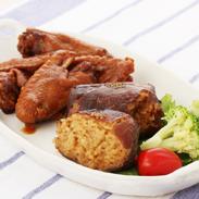 日向屋「日向屋の自慢ギフト」〔肉巻おにぎり120g×4個、じっくり煮込んだやわらかい手羽煮450g×2パック〕